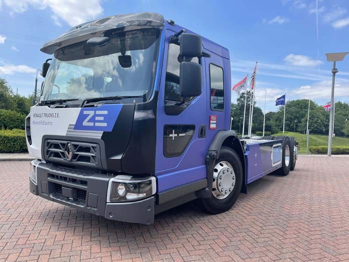 Renault D Wide ZE 6x2 Low Entry Cabin (LEC) — elektrisch angetriebenes Niedrigkabinen-Fahrgestell