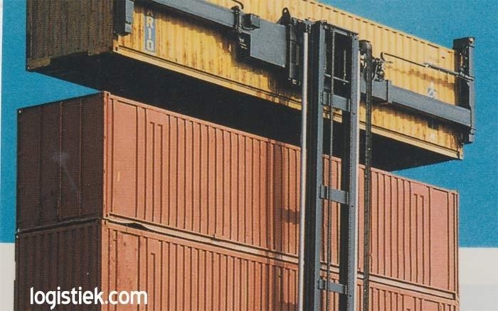 Leere Container sind in europäischen Häfen ein großes Problem