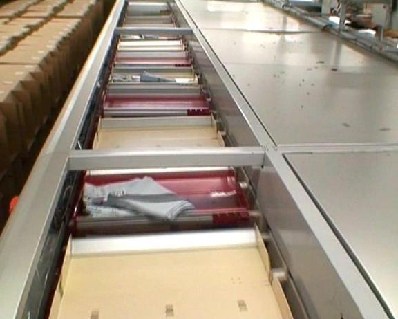 Material Handling Systems — Split Tray Sorter