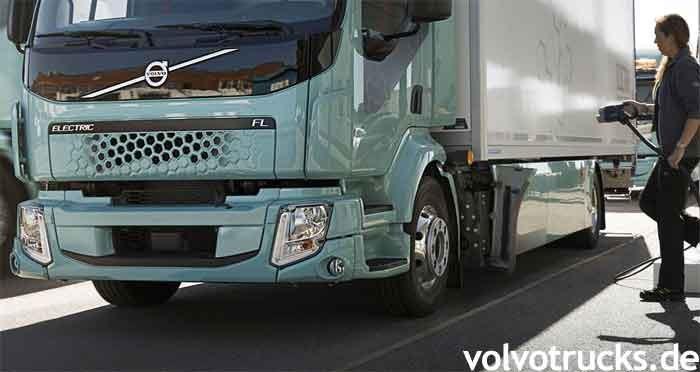 Volvo Trucks fliegt mit CO2-neutralem Transport vorwärts